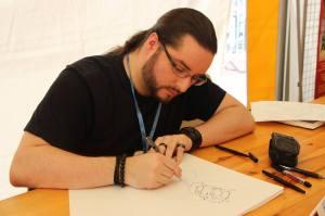 Le dessinateur Tod lors du festival Cartoon beach de Fécamp en août 2015.